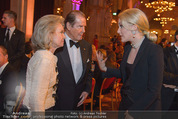 Look! Woman of the Year-Awards 2015 - Rathaus - Di 17.11.2015 - Sir Roger MOORE mit Ehefrau Lady Kristina, Kathrin GLOCK122