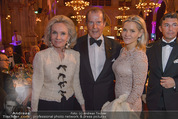 Look! Woman of the Year-Awards 2015 - Rathaus - Di 17.11.2015 - Familie Sir Roger MOORE mit Ehefrau Lady Kristina132