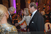 Look! Woman of the Year-Awards 2015 - Rathaus - Di 17.11.2015 - Sir Roger MOORE mit Ehefrau Lady Kristina145