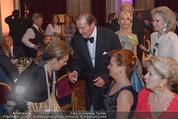 Look! Woman of the Year-Awards 2015 - Rathaus - Di 17.11.2015 - Farah DIBA PAHLAVI, Sir Roger MOORE mit Ehefrau Lady Kristina146
