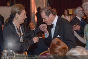 Look! Woman of the Year-Awards 2015 - Rathaus - Di 17.11.2015 - Farah DIBA PAHLAVI, Sir Roger MOORE147