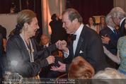 Look! Woman of the Year-Awards 2015 - Rathaus - Di 17.11.2015 - Farah DIBA PAHLAVI, Sir Roger MOORE148