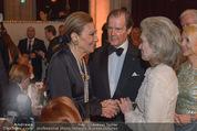 Look! Woman of the Year-Awards 2015 - Rathaus - Di 17.11.2015 - Farah DIBA PAHLAVI, Sir Roger MOORE mit Ehefrau Lady Kristina154