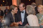 Look! Woman of the Year-Awards 2015 - Rathaus - Di 17.11.2015 - Farah DIBA PAHLAVI, Sir Roger MOORE mit Ehefrau Lady Kristina155