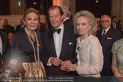Look! Woman of the Year-Awards 2015 - Rathaus - Di 17.11.2015 - Farah DIBA PAHLAVI, Sir Roger MOORE mit Ehefrau Lady Kristina161