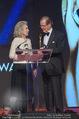 Look! Woman of the Year-Awards 2015 - Rathaus - Di 17.11.2015 - Sir Roger MOORE mit Ehefrau Lady Kristina183