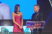 Look! Woman of the Year-Awards 2015 - Rathaus - Di 17.11.2015 - Alisar AILABOUNI, Sergej BENEDETTER305