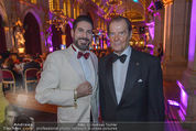 Look! Woman of the Year-Awards 2015 - Rathaus - Di 17.11.2015 - Clemens UNTERREINER, Sir Roger MOORE327