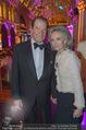 Look! Woman of the Year-Awards 2015 - Rathaus - Di 17.11.2015 - Sir Roger MOORE mit Ehefrau Lady Kristina328