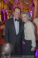 Look! Woman of the Year-Awards 2015 - Rathaus - Di 17.11.2015 - Sir Roger MOORE mit Ehefrau Lady Kristina329