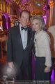 Look! Woman of the Year-Awards 2015 - Rathaus - Di 17.11.2015 - Sir Roger MOORE mit Ehefrau Lady Kristina330