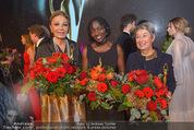 Look! Woman of the Year-Awards 2015 - Rathaus - Di 17.11.2015 - Farah DIBA PAHLAVI, Auma OBAMA, Margit FISCHER363