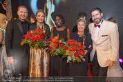Look! Woman of the Year-Awards 2015 - Rathaus - Di 17.11.2015 - S BENEDETTER, Farah DIBA, Auma OBAMA, M FISCHER, C UNTERREINER364
