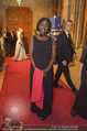 Look! Woman of the Year-Awards 2015 - Rathaus - Di 17.11.2015 - Auma OBAMA92