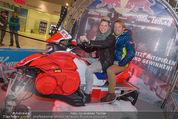 Formula Snow PK - The Mall - Mi 18.11.2015 - Virginia ERNST, Andy WERNIG2