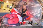 Formula Snow PK - The Mall - Mi 18.11.2015 - Sabine WIEDENHOFER32