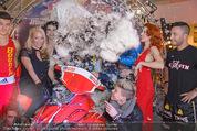 Formula Snow PK - The Mall - Mi 18.11.2015 - Gruppenfoto mit Polsterschlacht, Federn62
