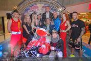 Formula Snow PK - The Mall - Mi 18.11.2015 - Gruppenfoto mit Polsterschlacht, Federn67