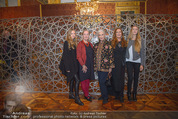 Olafur Eliasson Ausstellung - Winterpalais - Fr 20.11.2015 - Familie Francesca HABSBURG Mutter Fiona T�chter Eleonore, Glori107
