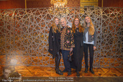 Olafur Eliasson Ausstellung - Winterpalais - Fr 20.11.2015 - Familie Francesca HABSBURG Mutter Fiona T�chter Eleonore, Glori108