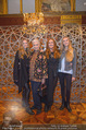 Olafur Eliasson Ausstellung - Winterpalais - Fr 20.11.2015 - Familie Francesca HABSBURG Mutter Fiona T�chter Eleonore, Glori109