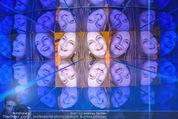 Olafur Eliasson Ausstellung - Winterpalais - Fr 20.11.2015 - Francesca HABSBURG150