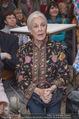 Olafur Eliasson Ausstellung - Winterpalais - Fr 20.11.2015 - Baronesse Fiona von THYSSEN-BORNEMISZA74