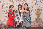 100 Miss Earth - Belvedere - Fr 27.11.2015 - Die Missen (Miss Earth) in der Ausstellung2
