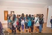 100 Miss Earth - Belvedere - Fr 27.11.2015 - Die Missen (Miss Earth) in der Ausstellung28