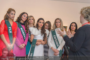 100 Miss Earth - Belvedere - Fr 27.11.2015 - Die Missen (Miss Earth) in der Ausstellung31