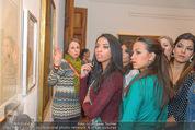 100 Miss Earth - Belvedere - Fr 27.11.2015 - Die Missen (Miss Earth) in der Ausstellung37