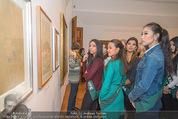 100 Miss Earth - Belvedere - Fr 27.11.2015 - Die Missen (Miss Earth) in der Ausstellung38