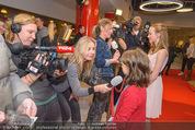 Kinopremiere Heidi - Village Cinemas - Di 01.12.2015 - Anuk STEFFEN, Isabelle OTTMANN geben Interviews, Autogramme20