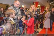 Kinopremiere Heidi - Village Cinemas - Di 01.12.2015 - Anuk STEFFEN, Isabelle OTTMANN geben Interviews, Autogramme21