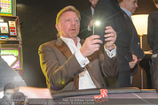 White pearl mountain Club - Sportzentrum Hinterglemm - Sa 05.12.2015 - Boris BECKER fotografiert mit Handy228