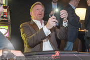 White pearl mountain Club - Sportzentrum Hinterglemm - Sa 05.12.2015 - Boris BECKER fotografiert mit Handy229