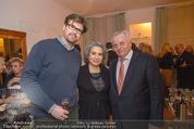 Lichter Weihnachtscocktail - Privatwohnung - Di 15.12.2015 - Brigitte KARNER mit Sohn Benedikt SIMONISCHEK Rudolf HUNDSTORFER34