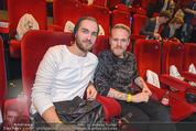 Star Wars - das Erwachen der Macht Kinopremiere - Cineplexx Donauplex - Mi 16.12.2015 - Thomas KIRCHGRABNER mit Begleitung117