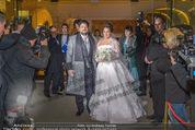 Anna Netrebko Hochzeit - Trauung - Palais Coburg - Di 29.12.2015 - Anna NETREBKO, Yusif EYVAZOV mit Medienrummel172