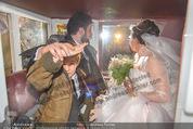 Anna Netrebko Hochzeit - Trauung - Palais Coburg - Di 29.12.2015 - Anna NETREBKO mit Sohn Tiago, Yusif EYVAZOV in der Kutsche185
