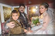 Anna Netrebko Hochzeit - Trauung - Palais Coburg - Di 29.12.2015 - Anna NETREBKO mit Sohn Tiago, Yusif EYVAZOV in der Kutsche186