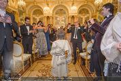 Anna Netrebko Hochzeit - Trauung - Palais Coburg - Di 29.12.2015 - Tiago, Sohn von Anna Netrebko wird von allen Seiten fotografiert47