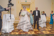 Anna Netrebko Hochzeit - Trauung - Palais Coburg - Di 29.12.2015 - Vater Yuri bringt Tochter Anna NETREBKO zur Trauung53