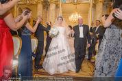Anna Netrebko Hochzeit - Trauung - Palais Coburg - Di 29.12.2015 - Vater Yuri bringt Tochter Anna NETREBKO zur Trauung55