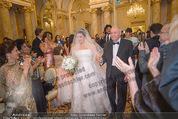 Anna Netrebko Hochzeit - Trauung - Palais Coburg - Di 29.12.2015 - Vater Yuri bringt Tochter Anna NETREBKO zur Trauung56