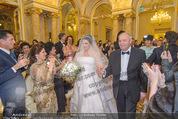 Anna Netrebko Hochzeit - Trauung - Palais Coburg - Di 29.12.2015 - Vater Yuri bringt Tochter Anna NETREBKO zur Trauung57