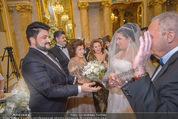 Anna Netrebko Hochzeit - Trauung - Palais Coburg - Di 29.12.2015 - Vater Yuri bringt Tochter Anna NETREBKO zu Yusif EYVAZOV59