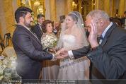 Anna Netrebko Hochzeit - Trauung - Palais Coburg - Di 29.12.2015 - Vater Yuri bringt Tochter Anna NETREBKO zu Yusif EYVAZOV60