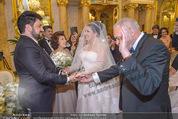 Anna Netrebko Hochzeit - Trauung - Palais Coburg - Di 29.12.2015 - Vater Yuri bringt Tochter Anna NETREBKO zu Yusif EYVAZOV61