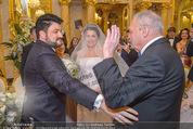 Anna Netrebko Hochzeit - Trauung - Palais Coburg - Di 29.12.2015 - Vater Yuri bringt Tochter Anna NETREBKO zu Yusif EYVAZOV63